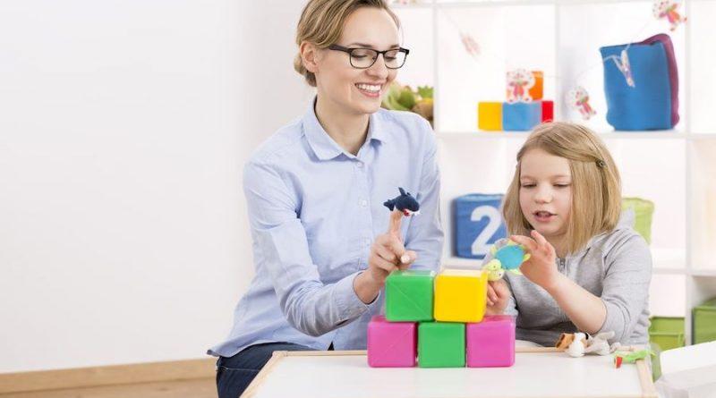 Otizmde Eğitim ve Terapi Modelleri Üzerine Tezler