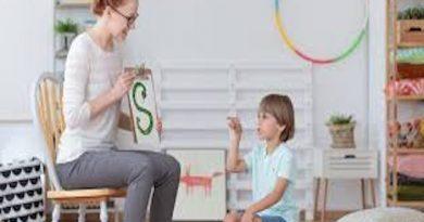 Otizmde Dil - Konuşma ve İletişim İle İlgili Tezler